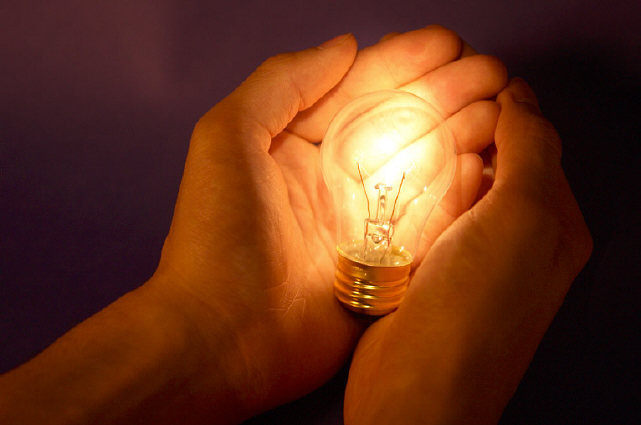 Person-with-light-bulb-0002